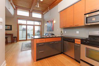 Photo 8: 404 610 Johnson St in VICTORIA: Vi Downtown Condo Apartment for sale (Victoria)  : MLS®# 760752