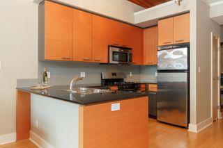 Photo 7: 404 610 Johnson St in VICTORIA: Vi Downtown Condo Apartment for sale (Victoria)  : MLS®# 760752