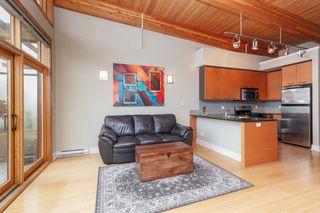 Photo 3: 404 610 Johnson St in VICTORIA: Vi Downtown Condo Apartment for sale (Victoria)  : MLS®# 760752