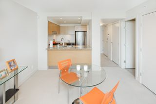 """Photo 5: 405 6018 IONA Drive in Vancouver: University VW Condo for sale in """"Argyll House West"""" (Vancouver West)  : MLS®# R2178903"""