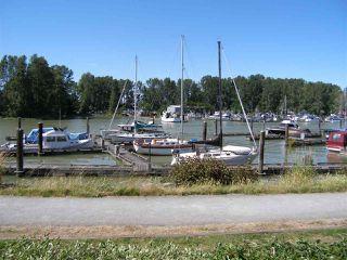 Photo 2: 109 4803 48 AVENUE in Delta: Ladner Elementary Condo for sale (Ladner)  : MLS®# R2183962