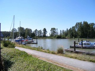 Photo 4: 109 4803 48 AVENUE in Delta: Ladner Elementary Condo for sale (Ladner)  : MLS®# R2183962