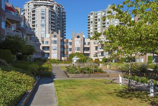 Photo 10: 412 1150 QUAYSIDE DRIVE in New Westminster: Quay Condo for sale : MLS®# R2202001