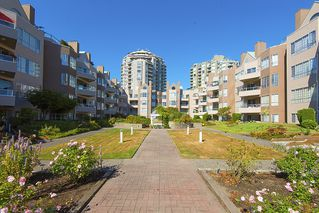Photo 9: 412 1150 QUAYSIDE DRIVE in New Westminster: Quay Condo for sale : MLS®# R2202001