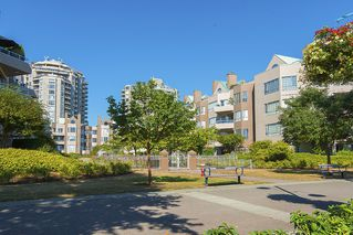 Photo 13: 412 1150 QUAYSIDE DRIVE in New Westminster: Quay Condo for sale : MLS®# R2202001