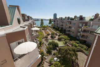 Photo 14: 412 1150 QUAYSIDE DRIVE in New Westminster: Quay Condo for sale : MLS®# R2202001