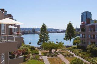 Photo 12: 412 1150 QUAYSIDE DRIVE in New Westminster: Quay Condo for sale : MLS®# R2202001