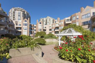 Photo 8: 412 1150 QUAYSIDE DRIVE in New Westminster: Quay Condo for sale : MLS®# R2202001