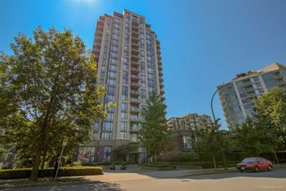 Photo 1: 1901 151 W 2ND STREET in North Vancouver: Lower Lonsdale Condo for sale : MLS®# R2219642