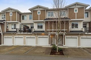 "Photo 2: 29 19433 68 Avenue in Surrey: Clayton Townhouse for sale in ""THE GROVE"" (Cloverdale)  : MLS®# R2239745"