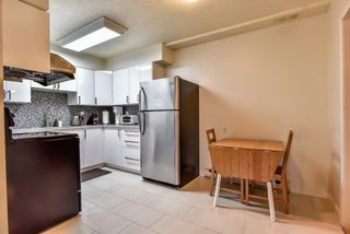 Photo 2: 962 HOWIE Avenue in Coquitlam: Central Coquitlam Townhouse for sale : MLS®# R2243466