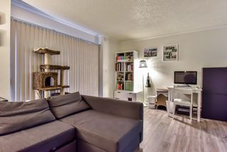Photo 17: 962 HOWIE Avenue in Coquitlam: Central Coquitlam Townhouse for sale : MLS®# R2243466