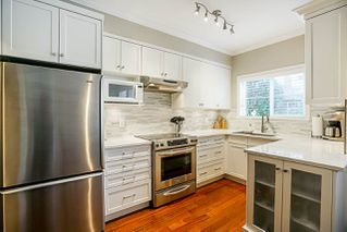 """Photo 4: 105 1630 154 Street in Surrey: King George Corridor Condo for sale in """"Carlton Court"""" (South Surrey White Rock)  : MLS®# R2263867"""