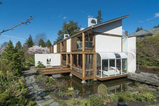 Photo 3: 1299 W 57TH Avenue in Vancouver: South Granville House for sale (Vancouver West)  : MLS®# R2280803