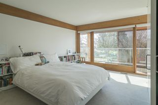 Photo 16: 1299 W 57TH Avenue in Vancouver: South Granville House for sale (Vancouver West)  : MLS®# R2280803