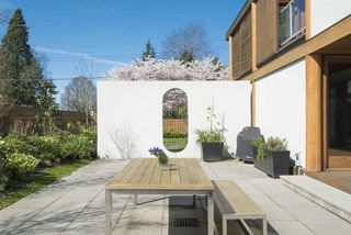 Photo 4: 1299 W 57TH Avenue in Vancouver: South Granville House for sale (Vancouver West)  : MLS®# R2280803