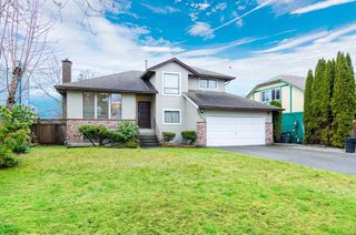 Photo 1: 15270 84A Avenue in Surrey: Fleetwood Tynehead House for sale : MLS®# R2304590