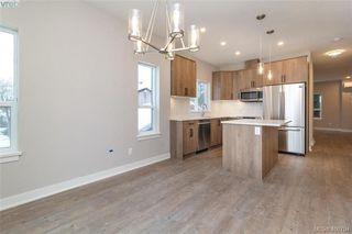 Photo 2: 2808 Knotty Pine Rd in VICTORIA: La Langford Proper Row/Townhouse for sale (Langford)  : MLS®# 799764