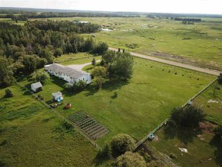 Photo 2: 56027 Rge Rd 14: Rural Lac Ste. Anne County House for sale : MLS®# E4137925