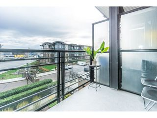 """Photo 18: 312 20058 FRASER Highway in Langley: Langley City Condo for sale in """"Varsity"""" : MLS®# R2328896"""