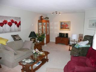 """Photo 4: 310 4825 HAZEL Street in Burnaby: Forest Glen BS Condo for sale in """"THE EVERGREEN"""" (Burnaby South)  : MLS®# R2330530"""