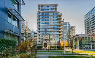 "Main Photo: 1103 138 W 1ST Avenue in Vancouver: False Creek Condo for sale in ""WALL CENTRE FALSE CREEK"" (Vancouver West)  : MLS®# R2334583"