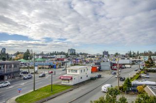 "Photo 15: 303 33412 TESSARO Crescent in Abbotsford: Central Abbotsford Condo for sale in ""Tessaro Villa"" : MLS®# R2334930"