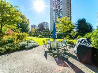 "Photo 1: 1506 1740 COMOX Street in Vancouver: West End VW Condo for sale in ""SANDPIPER"" (Vancouver West)  : MLS®# R2345085"