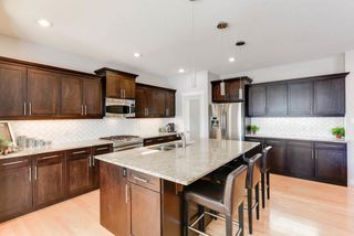 Photo 6: 1420 CHAHLEY Place in Edmonton: Zone 20 House for sale : MLS®# E4146343