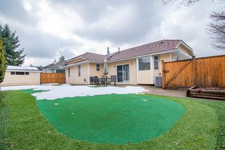 "Photo 3: 9492 154 Street in Surrey: Fleetwood Tynehead House for sale in ""BERKSHIRE PARK"" : MLS®# R2346431"