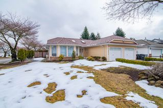 "Photo 2: 9492 154 Street in Surrey: Fleetwood Tynehead House for sale in ""BERKSHIRE PARK"" : MLS®# R2346431"