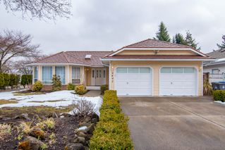 "Photo 1: 9492 154 Street in Surrey: Fleetwood Tynehead House for sale in ""BERKSHIRE PARK"" : MLS®# R2346431"