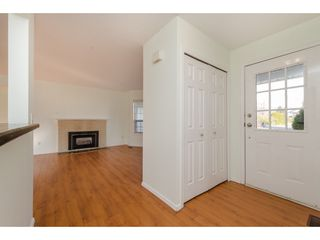 Photo 2: 42208 CORONA Avenue: Yarrow House for sale : MLS®# R2349376