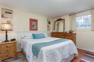 Photo 16: 2487 TURNER Street in Vancouver: Renfrew VE House for sale (Vancouver East)  : MLS®# R2351525