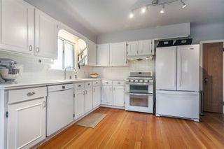 Photo 5: 2487 TURNER Street in Vancouver: Renfrew VE House for sale (Vancouver East)  : MLS®# R2351525