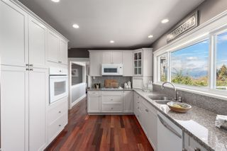 "Photo 6: 206 N SEA Avenue in Burnaby: Capitol Hill BN House for sale in ""Capitol Hill"" (Burnaby North)  : MLS®# R2356926"