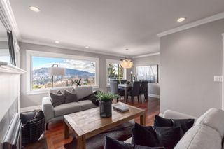 "Photo 2: 206 N SEA Avenue in Burnaby: Capitol Hill BN House for sale in ""Capitol Hill"" (Burnaby North)  : MLS®# R2356926"