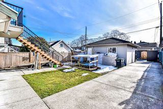 Photo 2: 2828 MCGILL Street in Vancouver: Hastings Sunrise House for sale (Vancouver East)  : MLS®# R2363261