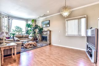 Photo 4: 2828 MCGILL Street in Vancouver: Hastings Sunrise House for sale (Vancouver East)  : MLS®# R2363261