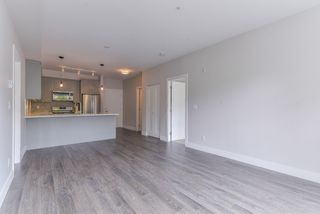 Photo 5: 211 14550 WINTER Crescent in Surrey: King George Corridor Condo for sale (South Surrey White Rock)  : MLS®# R2370599