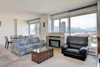 """Photo 1: 1603 183 KEEFER Place in Vancouver: Downtown VW Condo for sale in """"PARIS PLACE"""" (Vancouver West)  : MLS®# R2377762"""