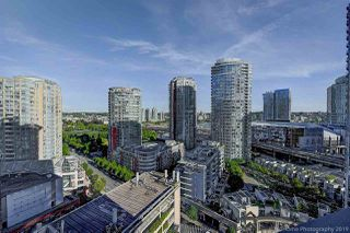 """Photo 16: 1603 183 KEEFER Place in Vancouver: Downtown VW Condo for sale in """"PARIS PLACE"""" (Vancouver West)  : MLS®# R2377762"""