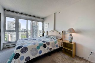 """Photo 3: 1603 183 KEEFER Place in Vancouver: Downtown VW Condo for sale in """"PARIS PLACE"""" (Vancouver West)  : MLS®# R2377762"""