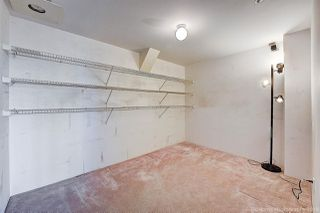 """Photo 5: 1603 183 KEEFER Place in Vancouver: Downtown VW Condo for sale in """"PARIS PLACE"""" (Vancouver West)  : MLS®# R2377762"""
