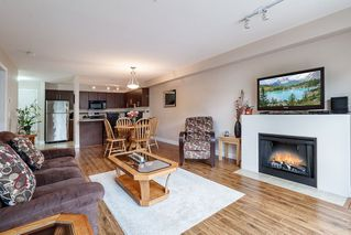 "Photo 13: 214 12248 224 Street in Maple Ridge: East Central Condo for sale in ""URBANO"" : MLS®# R2386859"