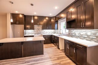 Photo 4: 12138 81 Street in Edmonton: Zone 05 House Half Duplex for sale : MLS®# E4171003