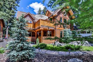 Photo 1: 506 2nd Street: Canmore Detached for sale : MLS®# C4282835