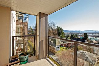 """Photo 11: 208 33150 4TH Avenue in Mission: Mission BC Condo for sale in """"Kathleen Court"""" : MLS®# R2436210"""