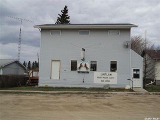 Photo 1: 108 1st Avenue West in Lintlaw: Commercial for sale : MLS®# SK818302
