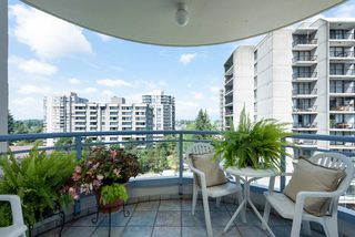 """Photo 4: 1002 739 PRINCESS Street in New Westminster: Uptown NW Condo for sale in """"Berkley Place"""" : MLS®# R2500994"""